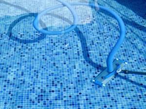 pulizia_piscina